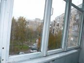 Вид с балкона во двор.